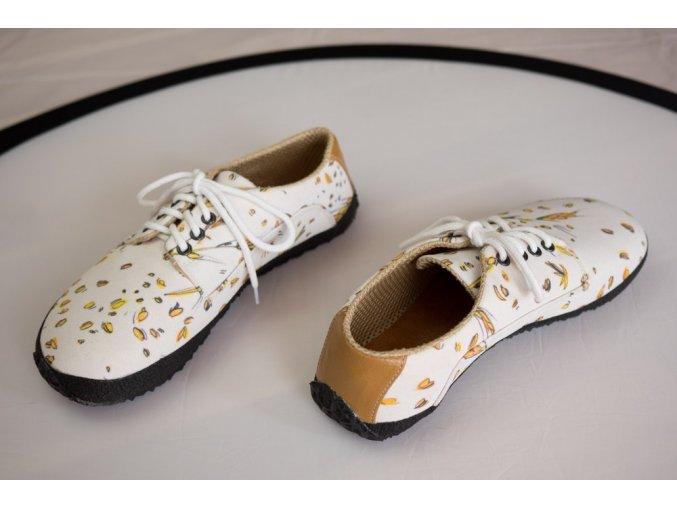 Obilná (Sundara), Ahinsa shoes