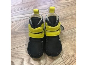 YETI Black/Yellow Sheepskin, Zeazoo