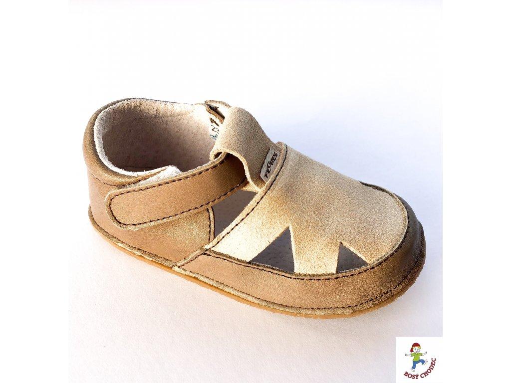 Tyhle sandálky Pegres jsou stálice na barefootovém poli a mají svůj osobitý  styl. Ponožky jim ale moc nesluší  -) Navíc sednou většině typům nožiček  jako ... 525d2e22c4