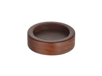 Dřevěný stojánek na tamper