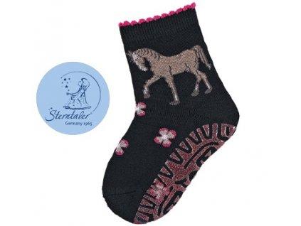 STERNTALER 8031920 Protiskluzové ponožky koník2
