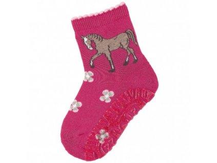 STERNTALER 8031920 745 Protiskluzové ponožky kůň
