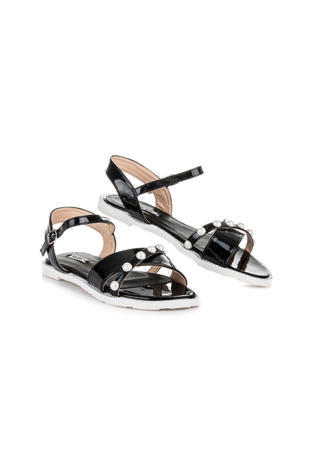Lakované černé sandály s korálky