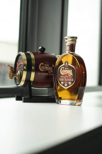 CANEY GRAN RESERVA 0.70L 40% + ORIGINÁL SÚDOK 1L