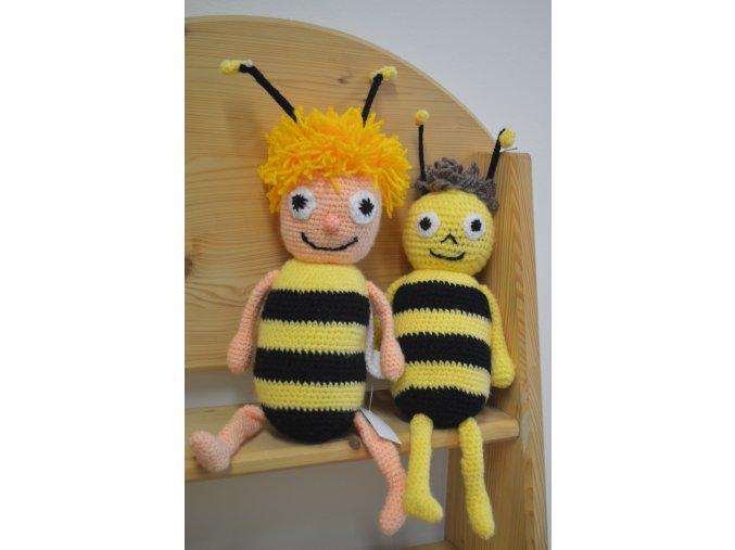 Háčkovaná hračka dvě včelky (akce)