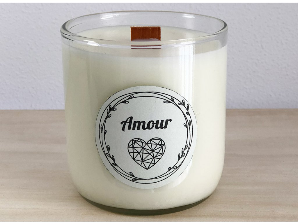 Dekorační vonná svíčka Amour nejen pro zamilované