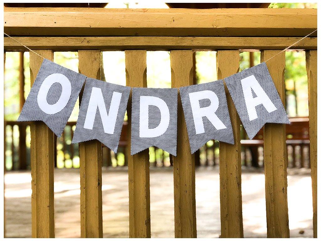 Girlanda: písmena bílá/šedý podklad