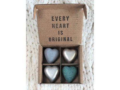Modré a stříbrné magnetky ve tvaru srdce