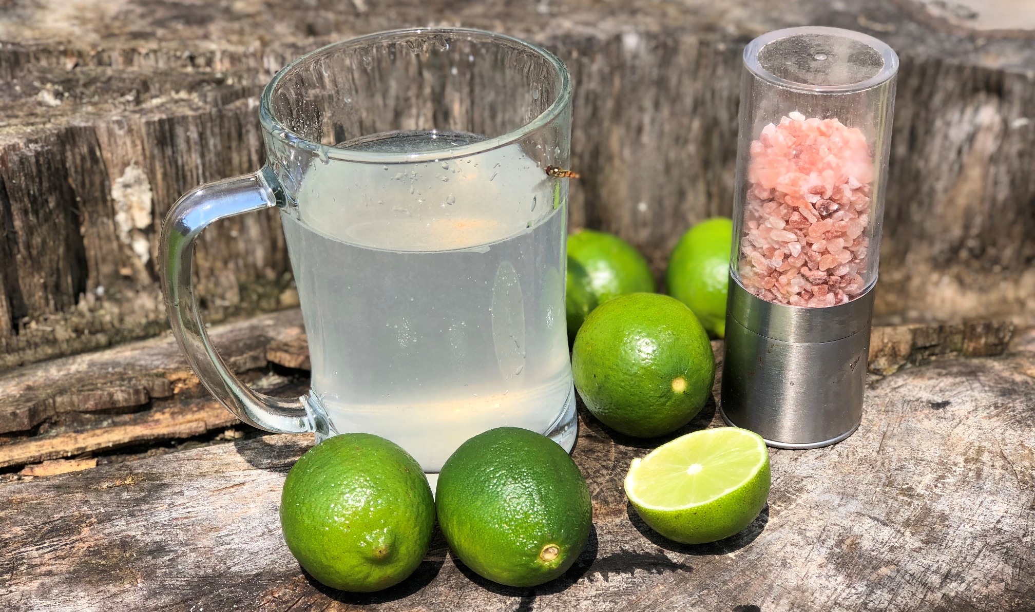 Začněte den s limetkou a himalájskou solí