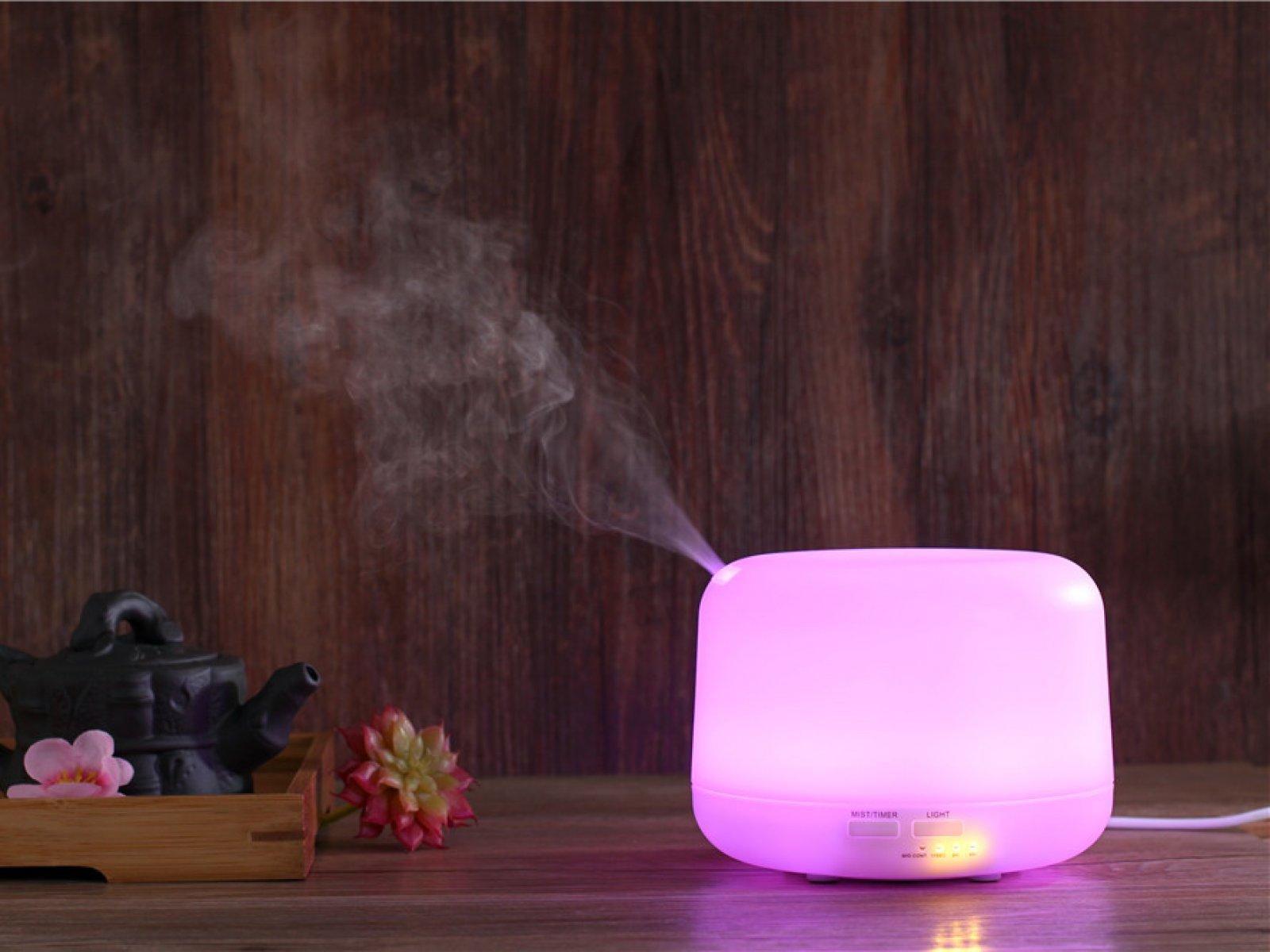 aroma-difuzer-favorit-300-bily-ultrasonicky-aroma-difuzer-aroma-difuzer-difuzer-etericky-difuzer-aroma-lampa-favorit-thumbnail-1592483107-YD-017-3-