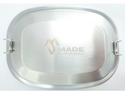 Made Sustained lunchbox with clip above stainless web