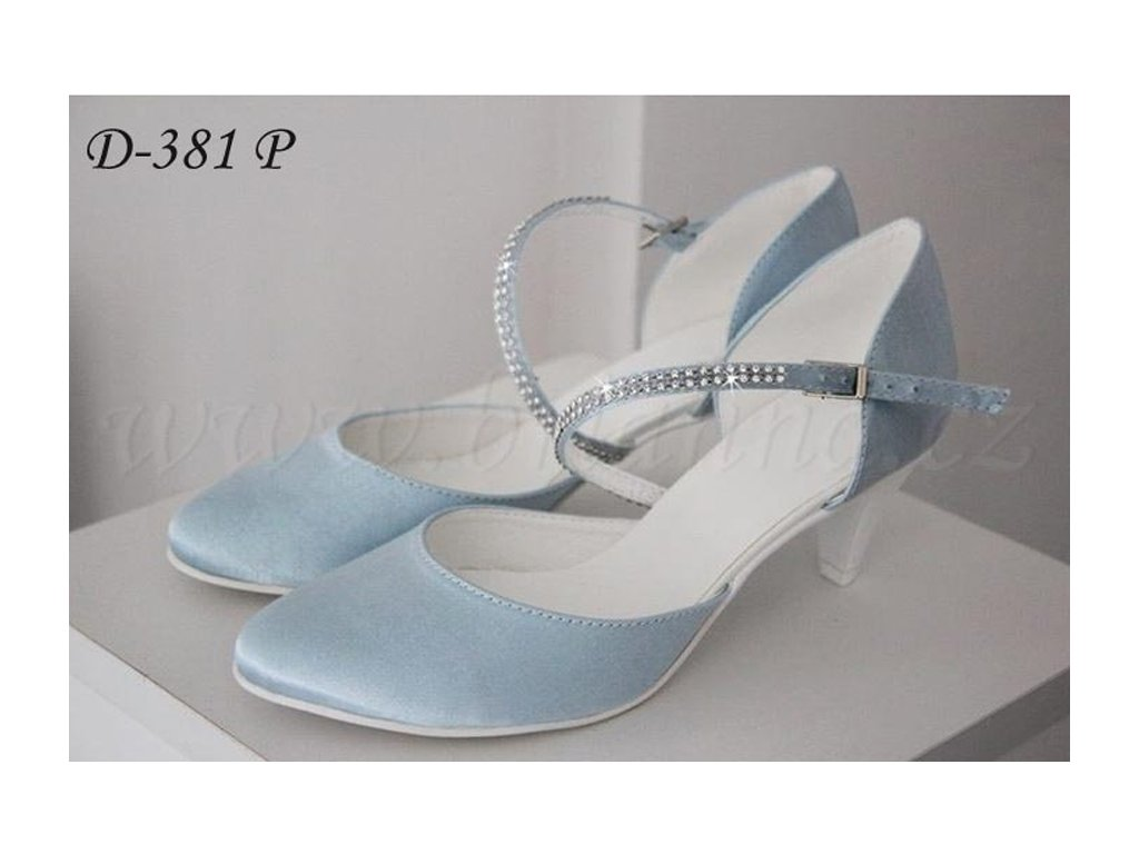 1a2d8995018c Saténové svatební boty - blankytně modré