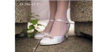 Saténové svatební boty s barevnou mašlí - bílé