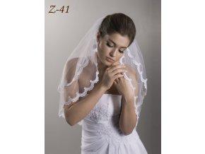 Svatební závoj lemovaný úzkou krajkou Z-41