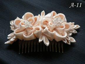 Svatební kanzashi růže na hřebínku A-11