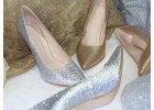 Zlaté a strieborné svadobné topánky