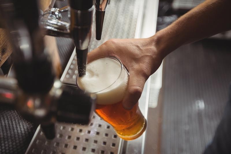 Mytí pivního skla a pivního potrubí profesionálně