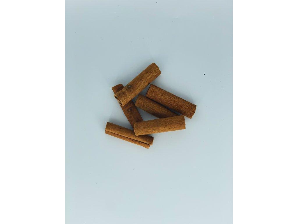 Dekorace sušené skořice 6 ks2