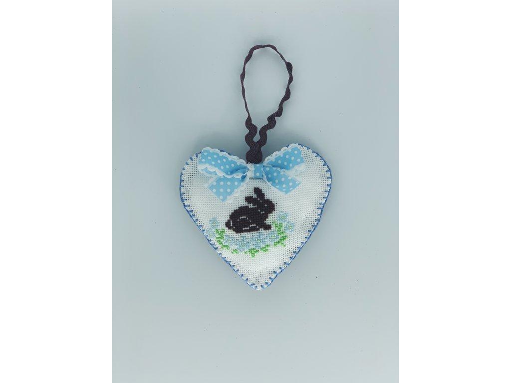 Srdce se zajíčkem modré