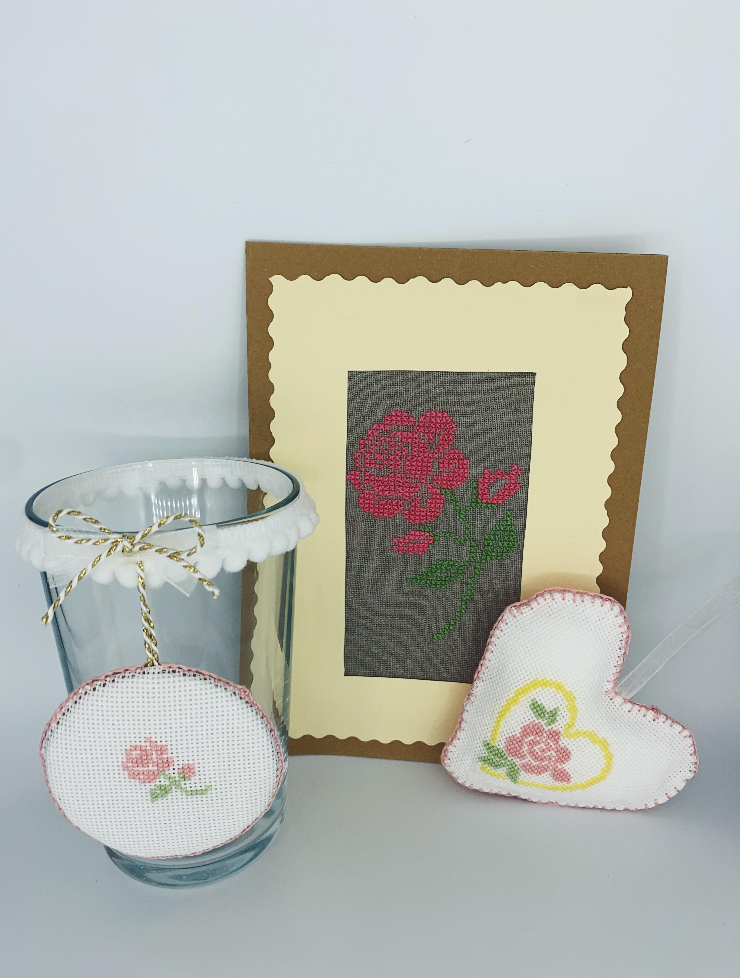 Svícen Růže v. 13cm Blahopřání Růže Srdíčko pro maminku s růží dárková sada