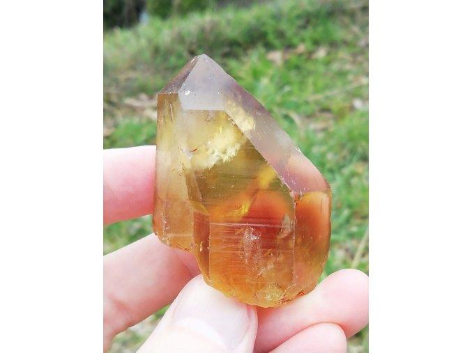 citrín přírodní surový krystal