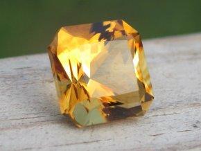 Citrín oktagon 8,5x8,5mm