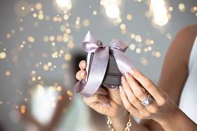 Na vánoční dárky tak, aby byla pod stromečkem radost