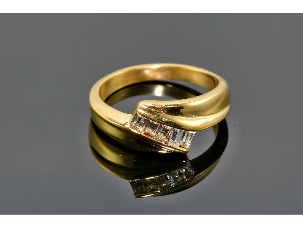S0868 Ocelový prstýnek GOLD s krystalky
