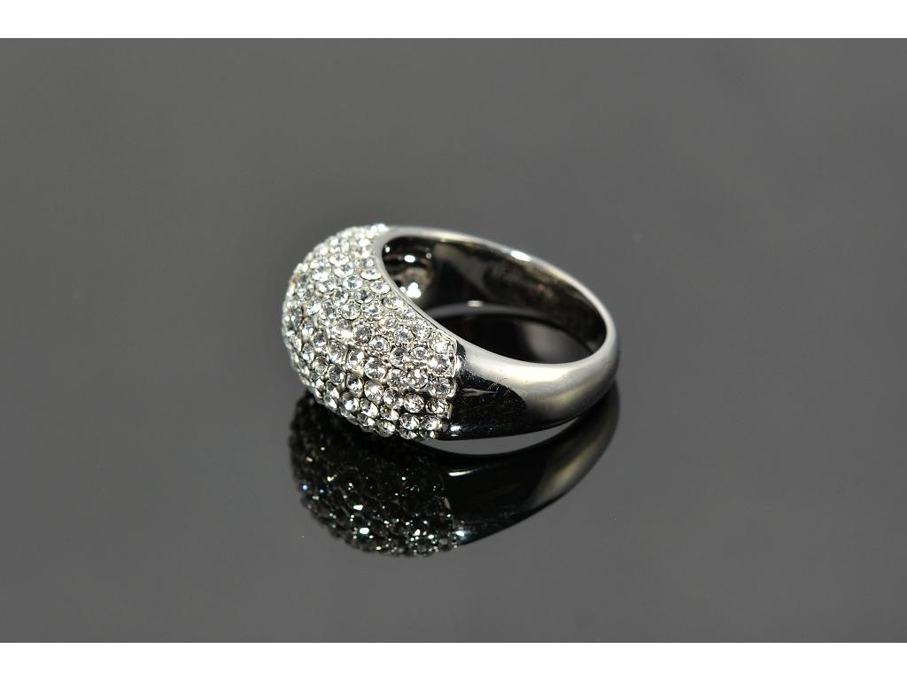 S0509 Prsten z chirurgické oceli s krystalky