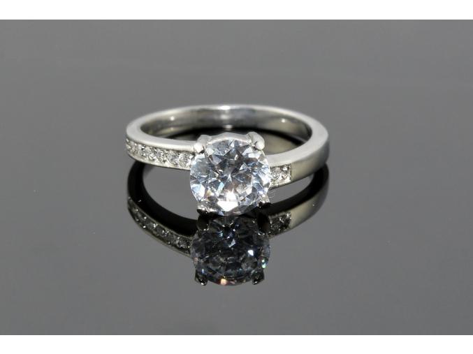S0867 Nádherný prstýnek z chirurgické oceli s krystalkem