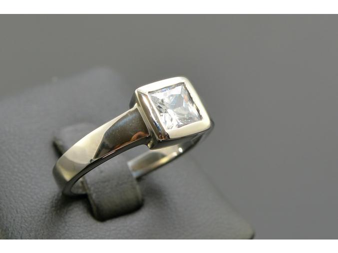 S1183 Prstýnek se čtvercovým krystalkem