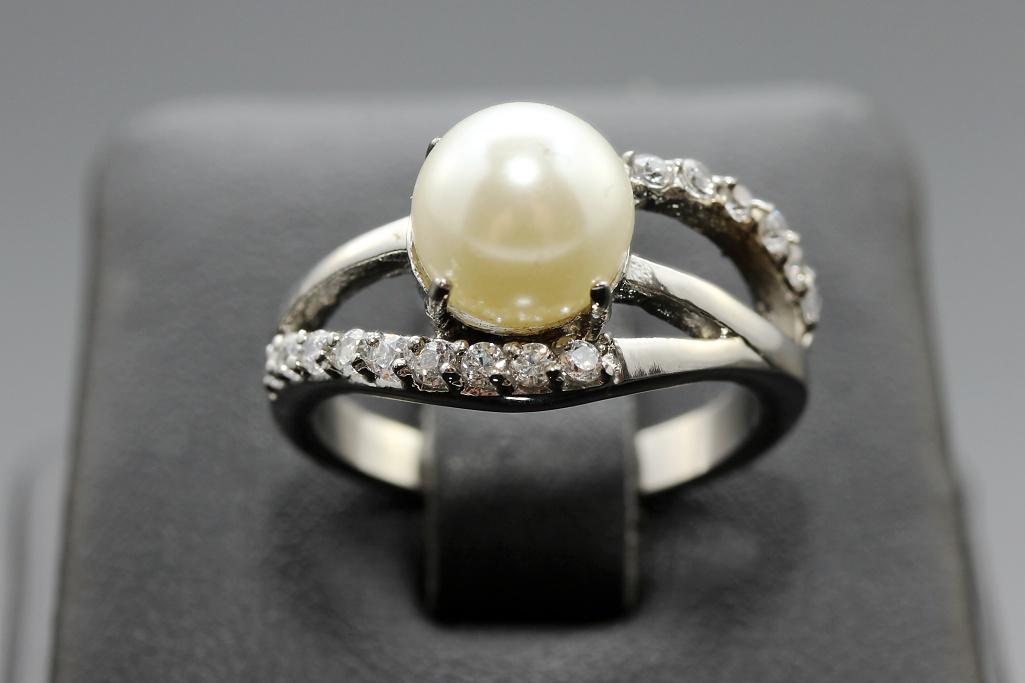 S2208 Prstýnek z chirurgické oceli s perlou Pohlaví: dámské, Velikost: 6