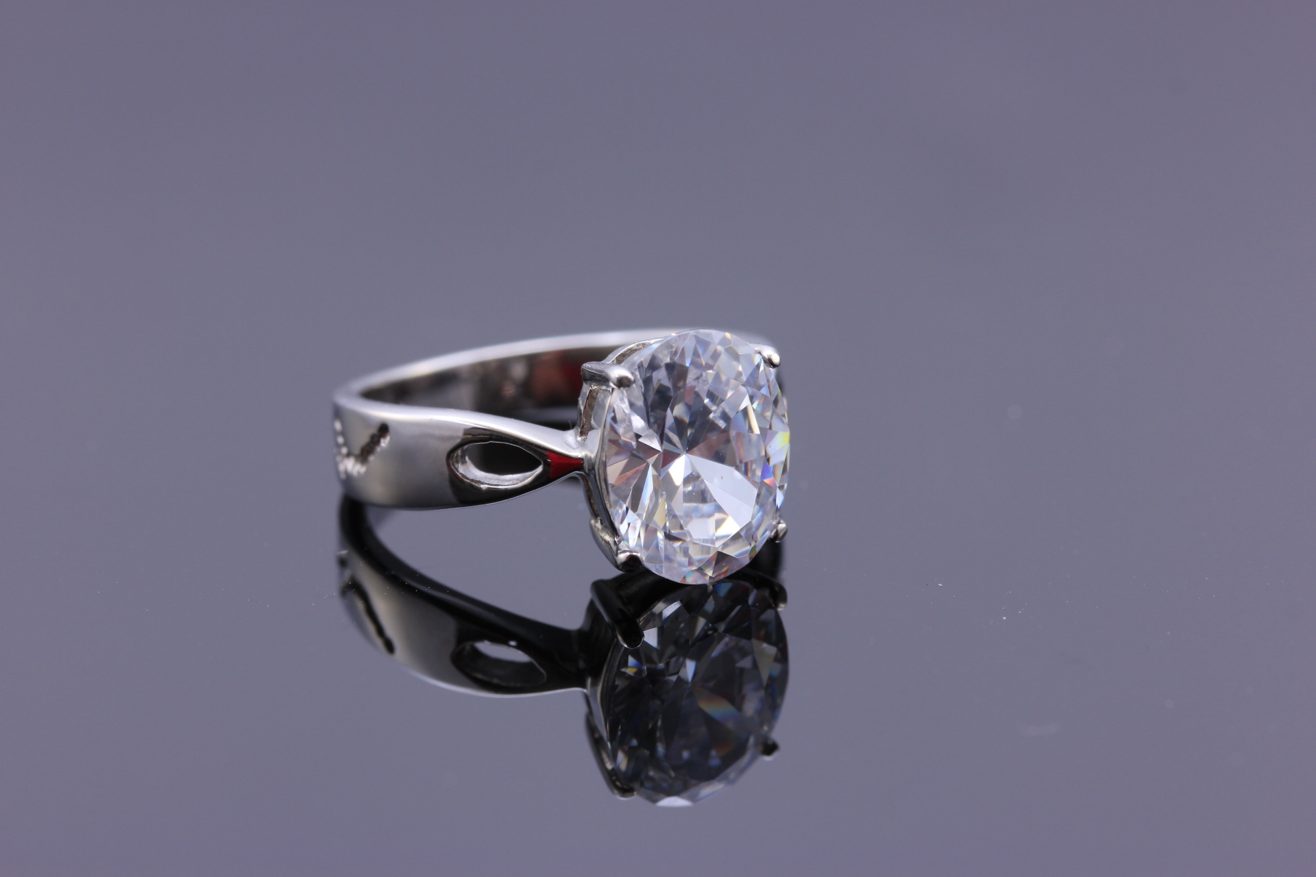 S0576 Nádherný prsten z chirurgické oceli s krystalem Velikost: 6