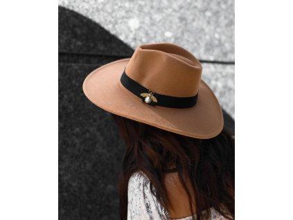 klobouk vcela kamel