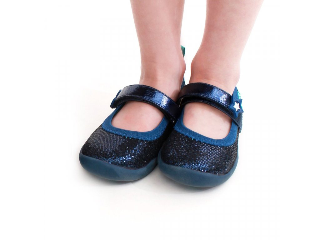 Baby Shoes ( mos) From kicking to crawling to walking, we've got baby feet covered. All of our baby shoes are designed to mimic barefoot and feature soft, .