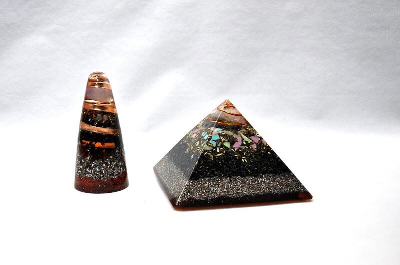 Orgonitové pyramidy