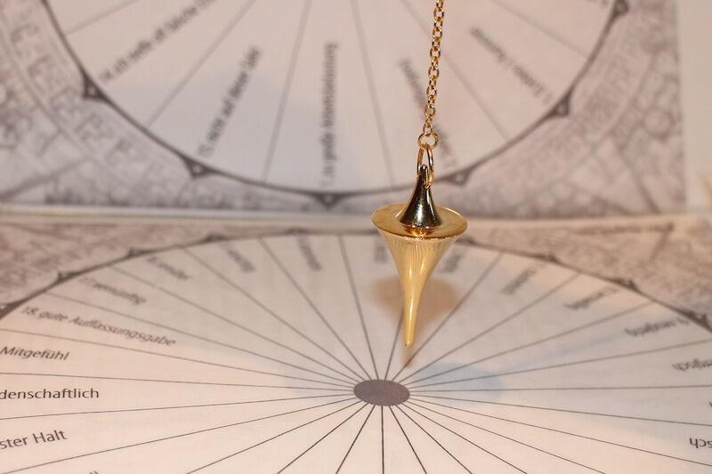 pendulum-242740_1920