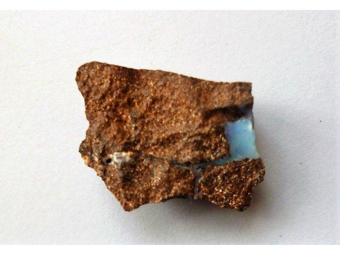 Surový opál
