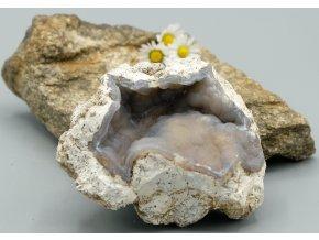 Geoda z chalcedonu