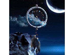 Lapač snů s minerály a peříčky