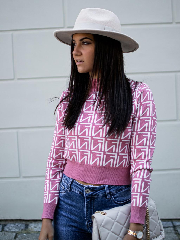 Crop svetřík Fame pink