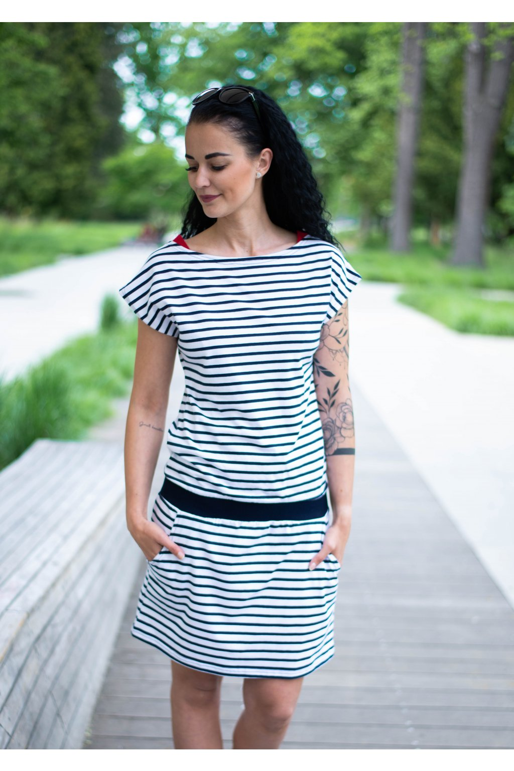 Šaty Elegance Sailor