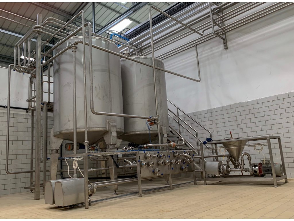 228 tanky pro mlekarenskou vyrobu