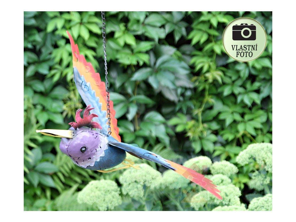 kovový pták