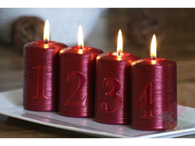 adventní svíčky temně rudé