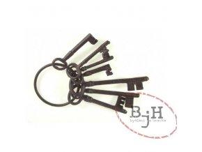 kovové klíče velké
