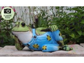 žába z keramiky