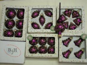 vánoční ozdoby fialové