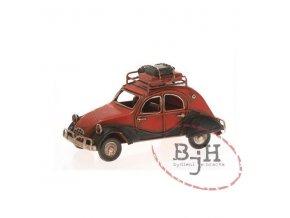 Červené auto s nosičem