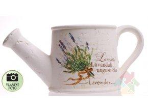 květináč s levandulí